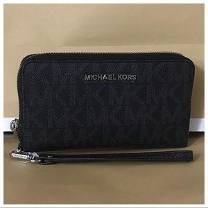b84ac29602c7 Michael Kors Bags | Nwt Mk Large Multifunction Phone Case Wallet ...